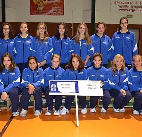 El equipo infantil de voley de la AE La Salle Pont d'Inca es campeón del tercer grupo.