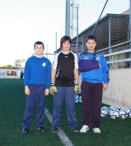 Jaume Bonet, Cata Coll y Sebastià Bibiloni en el campo del Sporting Sant Marçal.