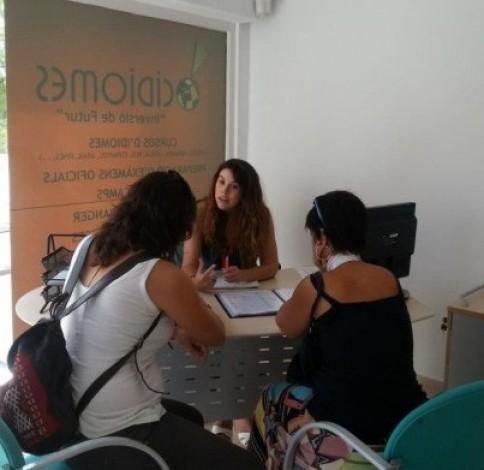 La escuela de idiomas tiene instalaciones en Palma, Inca y Andratx.