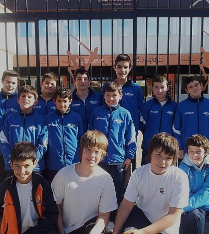 Los jugadores del La Salle Pont d'Inca y del CP Costa i Llobera que han participado en la concentración