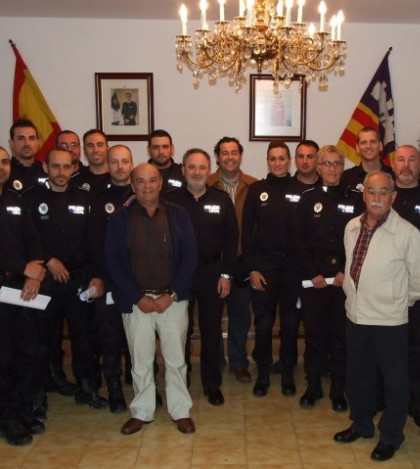 La toma de posesión de los agentes se celebró en la sala de plenos del Ayuntamiento el pasado jueves 25 de abril.
