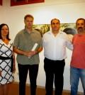 La regidora Antònia Coll, el ganador del certamen, Antoni Socias, el regidor de Cultura, Xisco Ferrá, y el artista Pep Suari, mención especial.