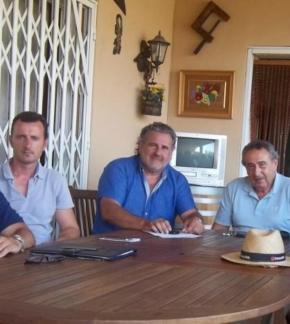 Vecinos y comercios se unen contra el polígono de Son Macià