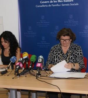 Fernández y Cirer durante la firma del convenio.