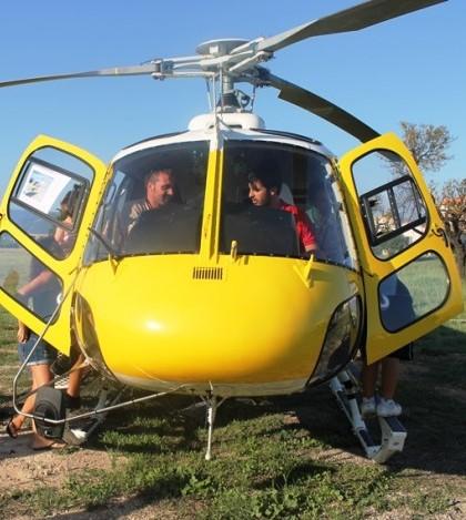 El público asistente se ha interesado por los helicópteros.