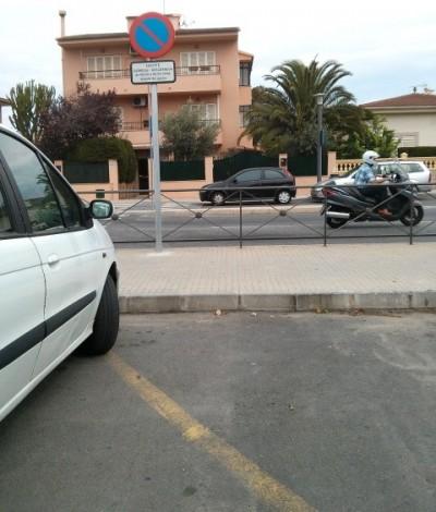 fotoqueja aparcamiento Calle Cabana