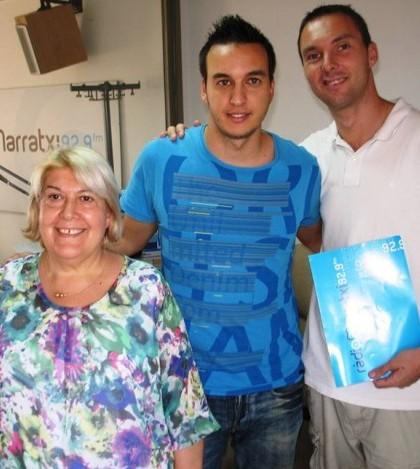 Algunas de las caras de la radio municipal son Bàrbara Estela,   Pau Borràs y  Roberto Gourlay