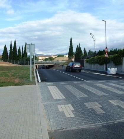 El paso subterráneo de Can Carbonell se cierra al tráfico a partir del día 14 de octubre.