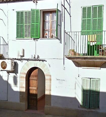 El Arxiu Municipal de Marratxí está ubicado en la calle Sant Alonso de Es Pont d'Inca