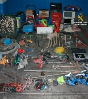 La Guardia Civil ha recuperado parte del material sustraido.