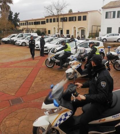 La Policía Local ha presentado su flota con 13 nuevos vehículos