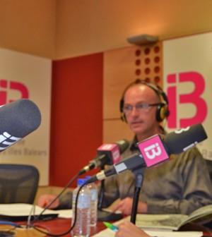 David Oliver en el programa 'Flors en el desert' de IB3 Ràdio