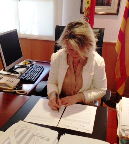 La consejera de Administraciones Públicas, M. Núria Riera