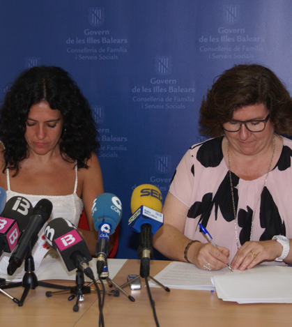 Sandra Fernández y Catalina Cirer