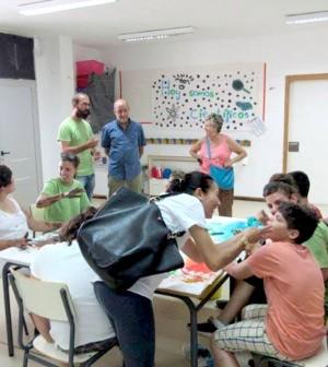 Joan Francesc Canyelles visita la Escola d'Estiu de Amadiba