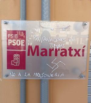 Pintadas-sede-PSOE-Marratxí