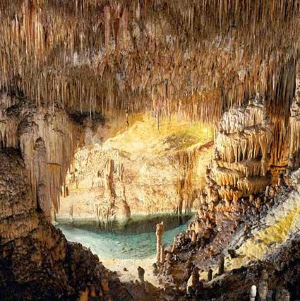 Cueva-del-Drach-4